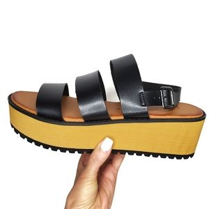 Chinese Laundry Black and Tan Platform Sandals